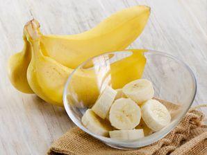 Банановая маска для лица благотворно влияет на кожу