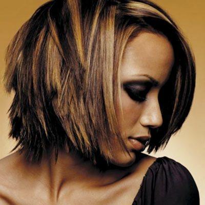 Белые пряди на темных волосах (39 фото): техники окрашивания белых прядей на темных русых волосах у лица. Варианты для длинных и коротких темных волос